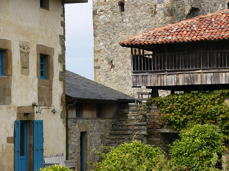 Hotel Torre de Villademoros, hotel charming and small in asturias