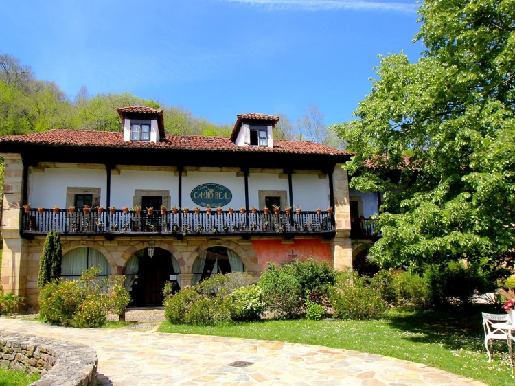 Camino Real de Selores cantabria Hotel b&b boutique best romantic hip trendy country side apartments