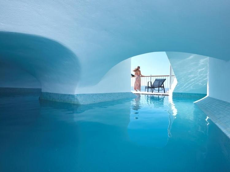 Cori Rigas Suites Fira Grecia Design Hotel best