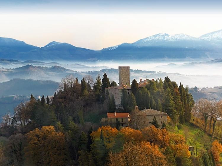 Castello de Petroia Umbria Hotel best charming