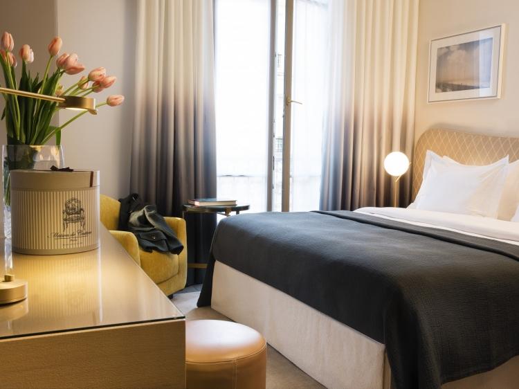 le marianne. Black Bedroom Furniture Sets. Home Design Ideas