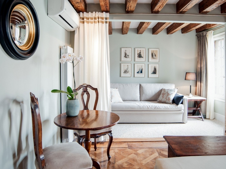 One of our Elegant Suites on the Grand Canal