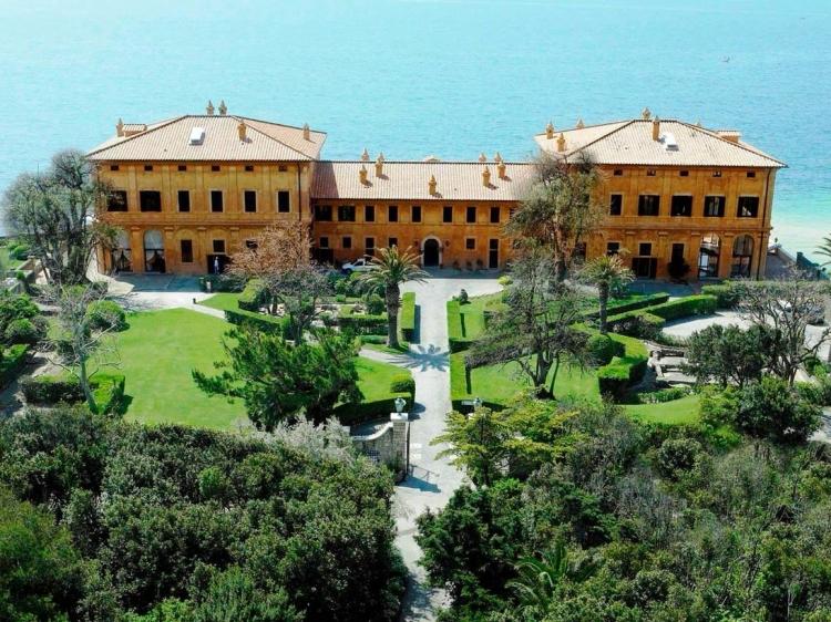 La Posta Vecchia Lazio hotel boutique luxury romantic