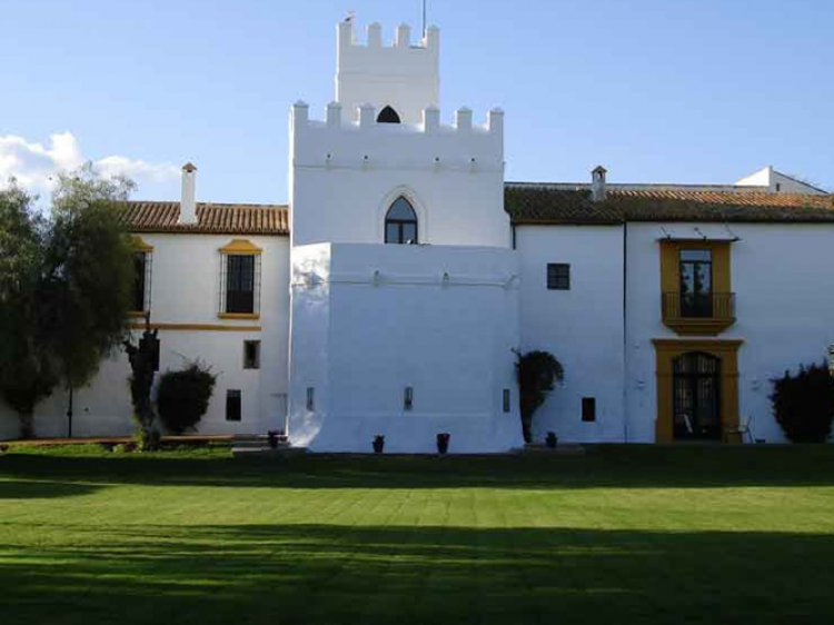 Cortijo Torre de la Reina seville country side hotel boutique