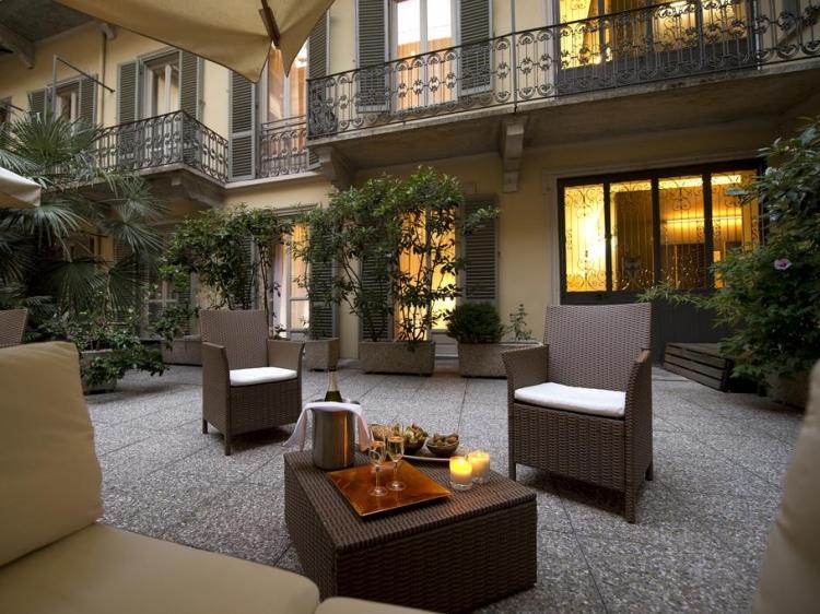 Town house 70 torino for Hotel design torino