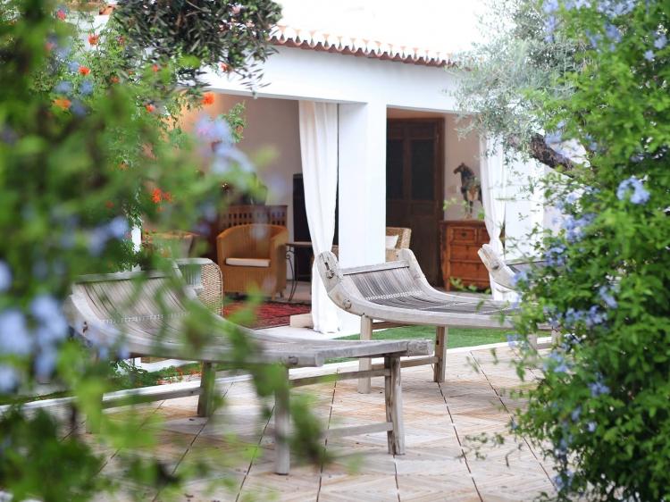 Casa do Terreiro do Poço boutique alentejo small romantic hotel b&b borba alentejo