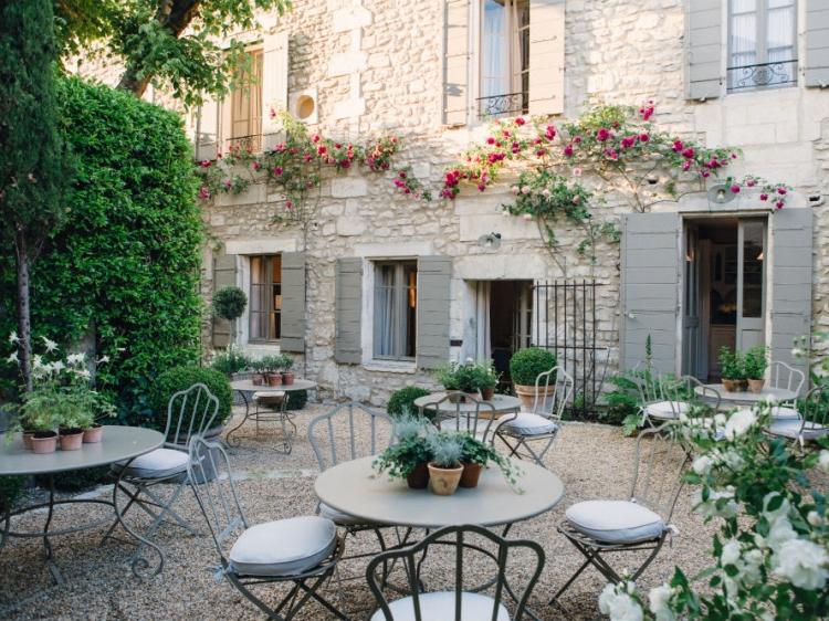 La maison du village hotel en saint rémy de provence bb