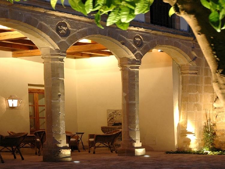 Puerta de jaen baeza finest puerta de jaen baeza with for Puerta 9 luna park