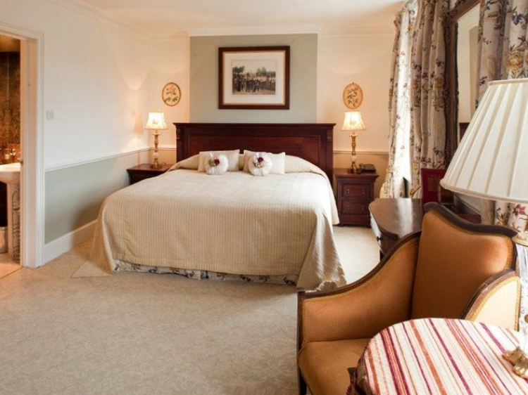 Lord Milner Hotel London Best