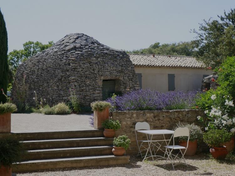 Mas de deux Puits Luberon Provence hotel B&B best
