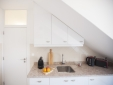 Two Bedrooms Apartment with Balcony and Castle View - Kitchen