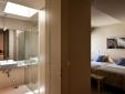 Green Apartment: Master bedroom
