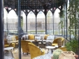 Sourire Boutique Hotel Particulier Paris Stylish dining area