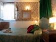 Guesthouse Arco dei Tolomei Rome Italy Bedroom Aurelia