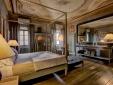 Villa Sassolini Moncioni Tuscany Italy Living room suite