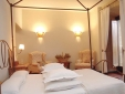 Palacio de Samaniego Hotel room