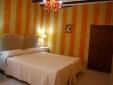 El Capricho de la Portuguesa Valencia Spain Room