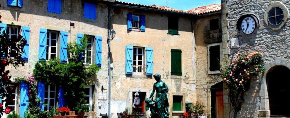 Chez Maison Bleue