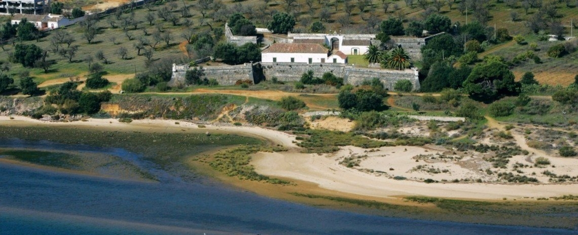 Cabanas De Tavira Hotels