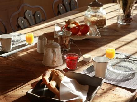 secretplaces les remparts beaumes de venise vaucluse french riviera provence france. Black Bedroom Furniture Sets. Home Design Ideas