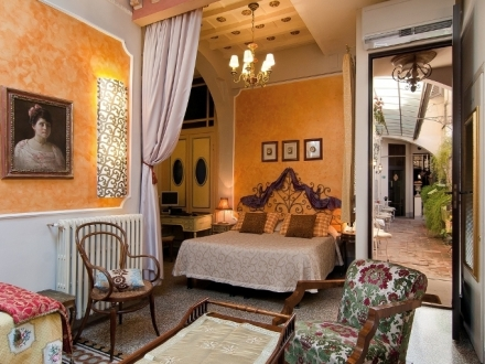 Secretplaces relais grand tour grand tour suites florence florence italy - Diva hotel firenze ...