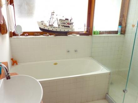 Casa da Gente - bathroom
